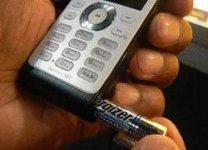 Philips Xenium X520 - телефон, работающий на пальчиковой батарейке
