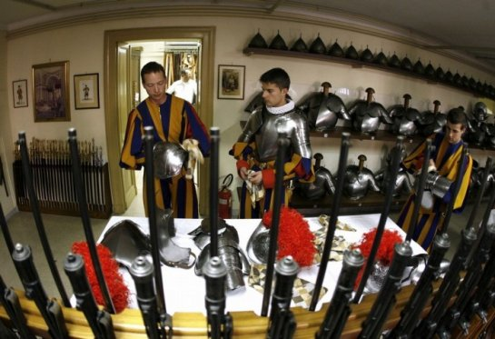 Швейцарские гвардейцы Ватикана