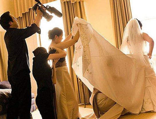 у невесты под столом фото